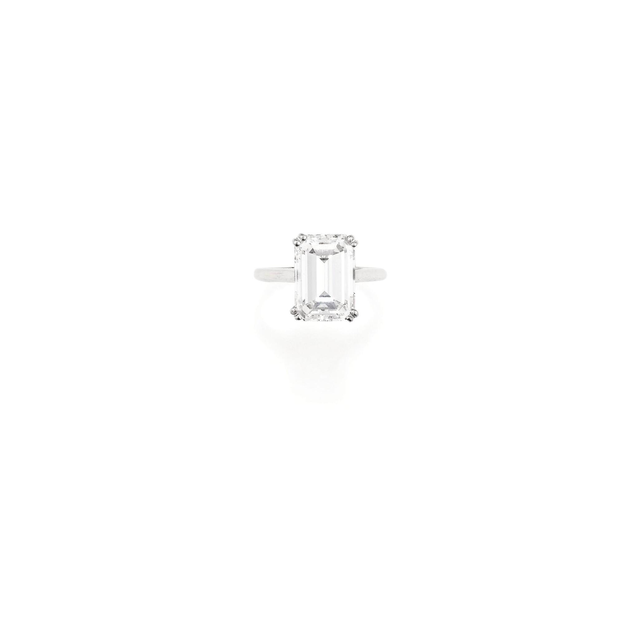 View full screen - View 1 of Lot 270. BAGUE DIAMANT | DIAMOND RING.
