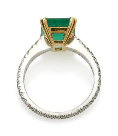 EMERALD AND DIAMOND RING (ANELLO CON SMERALDO E DIAMANTI), SABBADINI