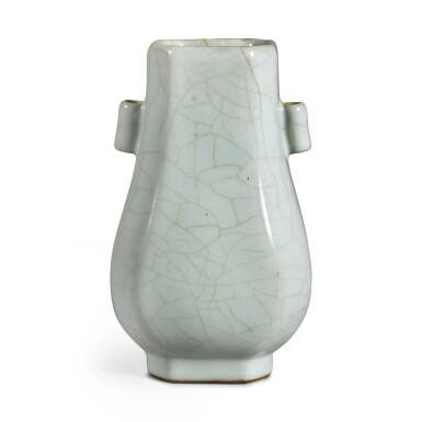View 4. Thumbnail of Lot 142. A Guan-type faceted vase, Seal mark and period of Qianlong | 清乾隆 仿官釉八方貫耳壺 《大清乾隆年製》款.