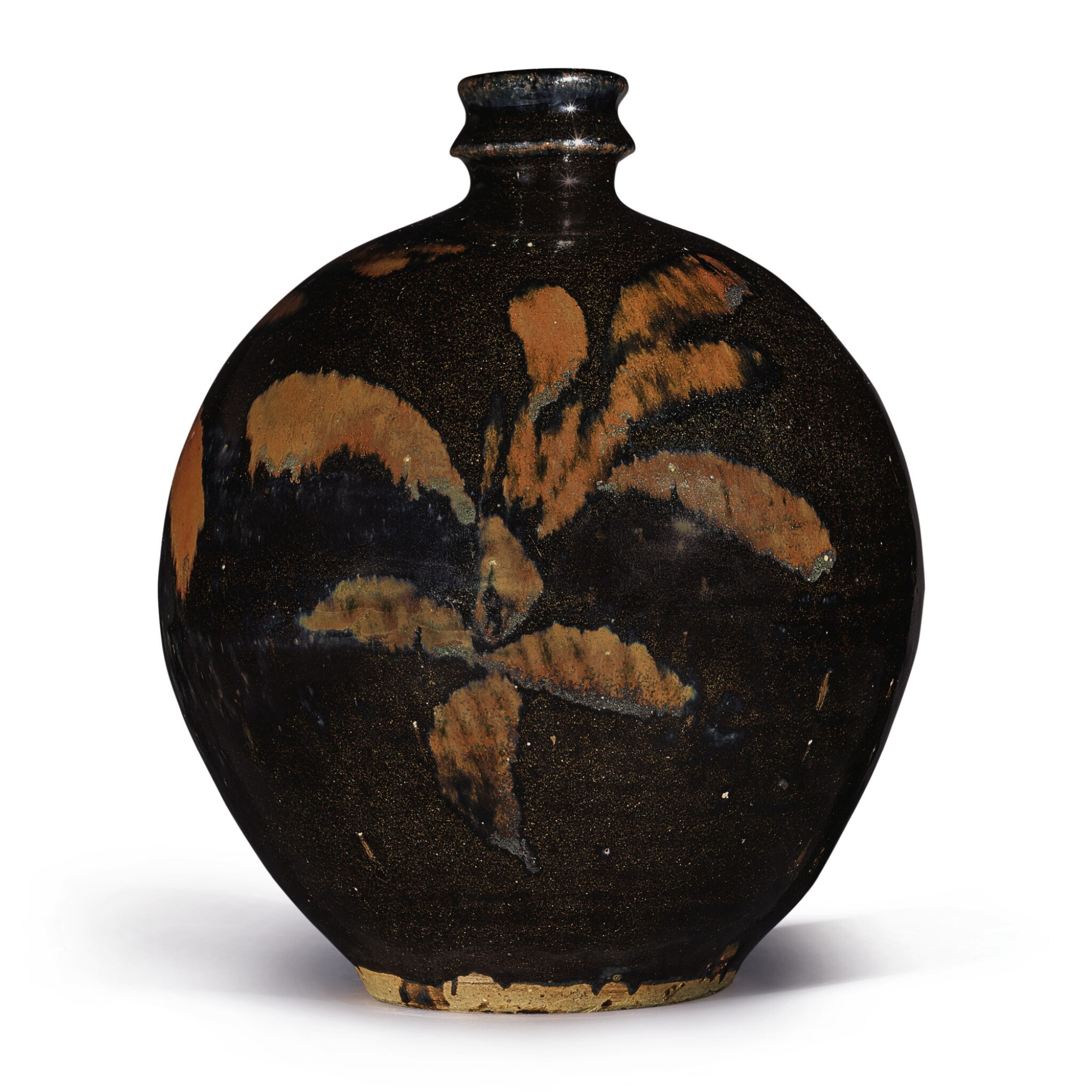 View full screen - View 1 of Lot 106. A russet-painted black-glazed vase, Northern Song / Jin dynasty   北宋 / 金 黑釉鐵鏽花紋小口瓶.