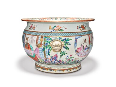 View 4. Thumbnail of Lot 449. A Rare and Large Chinese Export Famille-rose 'Figures' Fishbowl, Qing Dynasty, Yongzheng Period | 清雍正  粉彩描金人物故事圖大缸.