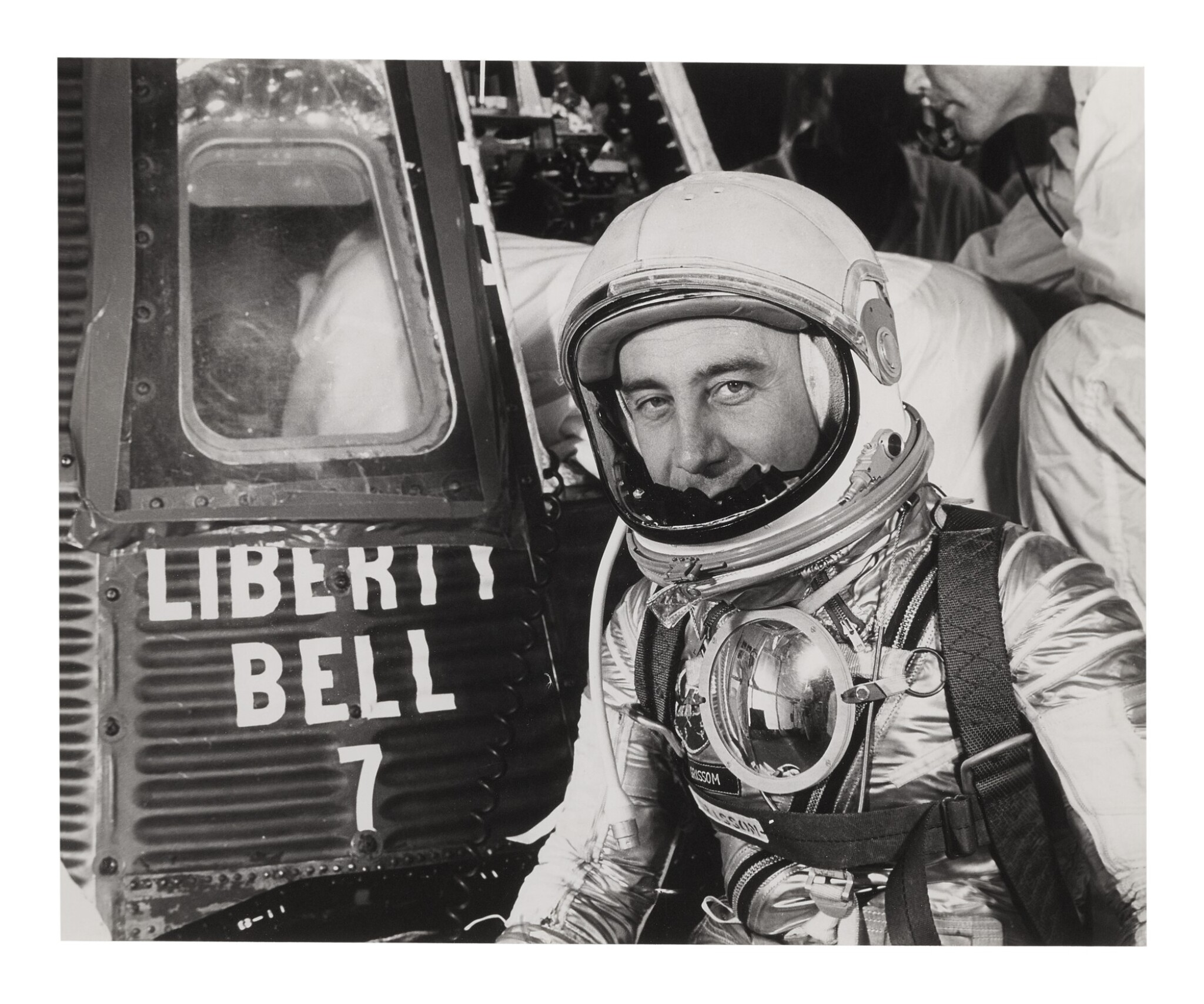 [MERCURY-REDSTONE 4] VINTAGE SILVER GELATIN PRINT OF GUS GRISSOM WITH THE LIBERTY BELL 7, CA JULY 1961.