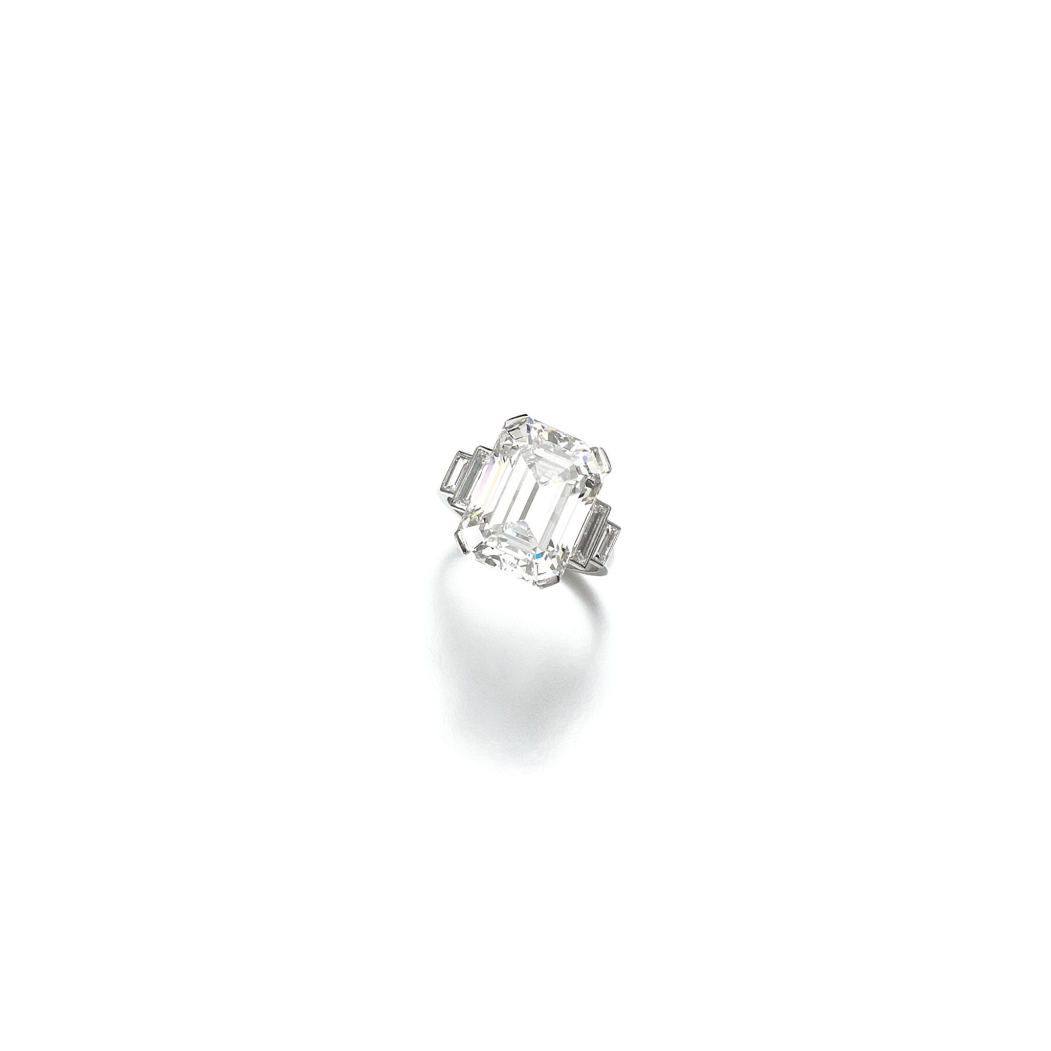 View full screen - View 1 of Lot 53. DIAMOND RING, 1930S.