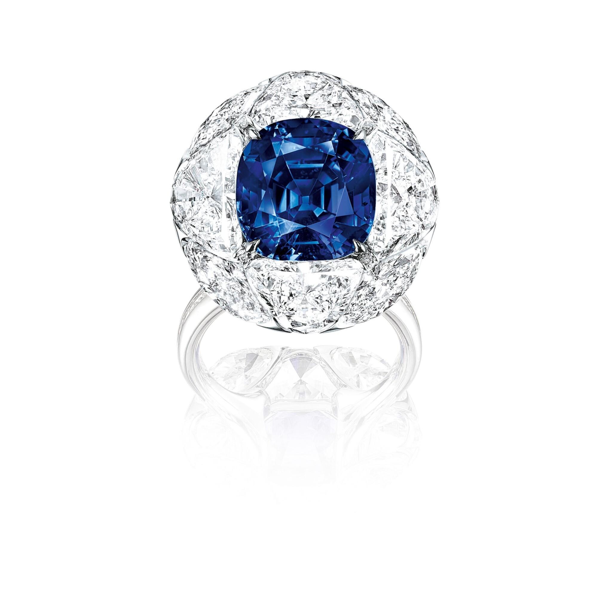 View full screen - View 1 of Lot 1741. FORMS | SAPPHIRE AND DIAMOND RING | FORMS | 7.95卡拉 天然「緬甸皇家藍」未經加熱藍寶石 配 鑽石 戒指.