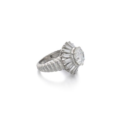 View 2. Thumbnail of Lot 1170. Diamond ring.