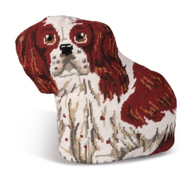 ELEVEN STANDING PILLOWS OF ANIMALS