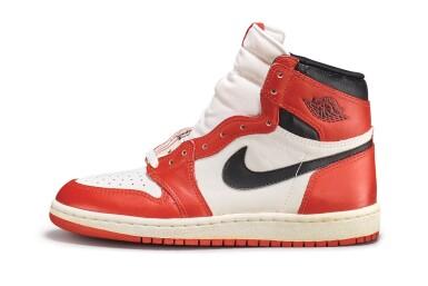 View 4. Thumbnail of Lot 9. Nike Air Jordan 1 High OG (1985) 'Chicago' | Size 9.