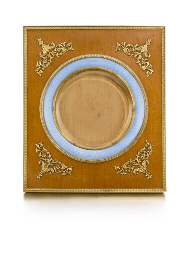 A Fabergé wood and enamel frame, Third Artel, St Petersburg, 1908-1917