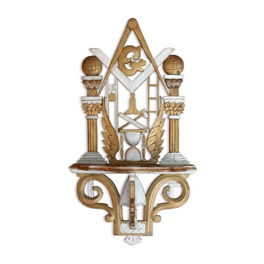 FINE CARVED AND PAINTED MAHOGANY MASONIC HANGING WALL SHELF, AMERICA, LATE 19TH CENTURY