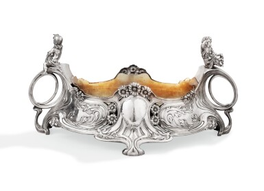 AN OVAL SILVER JARDINIÈRE WITH FITTED BRASS LINER, SY & WAGNER, BERLIN, CIRCA 1900 |  JARDINIÈRE OVALE EN ARGENT ET SA DOUBLURE EN LAITON PAR SY & WAGNER BERLIN, VERS 1900