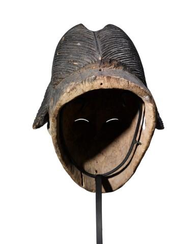 View 6. Thumbnail of Lot 41. Masque, Punu, Gabon | Punu mukuya mask.