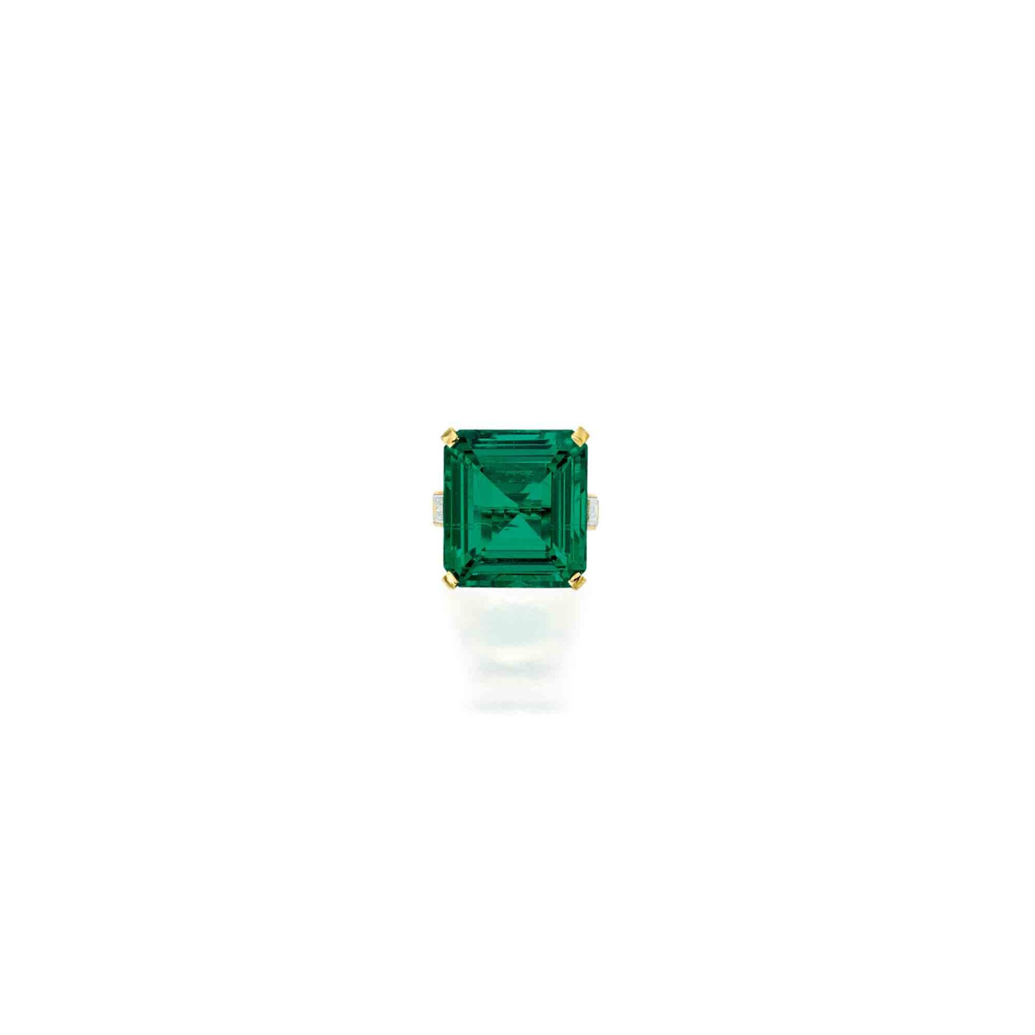 View full screen - View 1 of Lot 105. Cartier [卡地亞] | A Superb Emerald and Diamond Ring [祖母綠配鑽石戒指].
