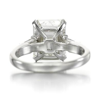 View 3. Thumbnail of Lot 158. Diamond ring.