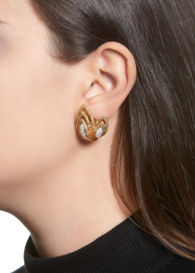 PAIR OF GOLD AND DIAMOND EAR CLIPS | VAN CLEEF & ARPELS, 1970S