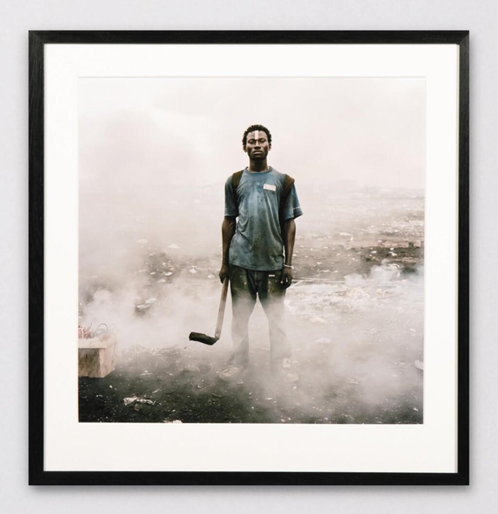 PIETER HUGO | AISSAH SALIFU, AGBOGBLOSHIE MARKET, ACCRA, GHANA, PERMANENT ERROR SERIES, 2010