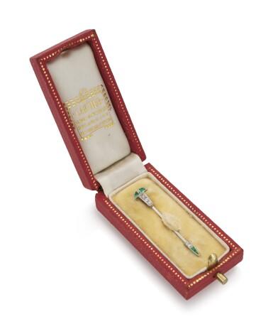 EMERALD AND DIAMOND TIE PIN (FERMA CRAVATTA CON SMERALDI E DIAMANTI) | CARTIER