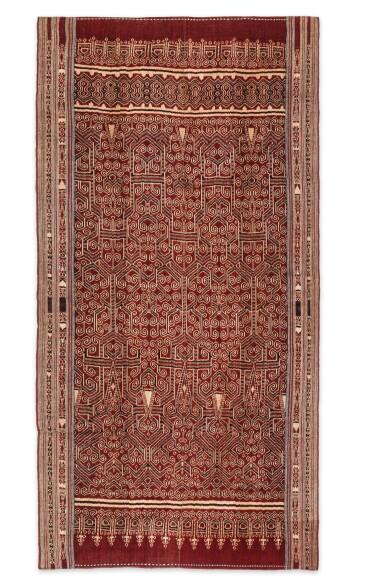 View 2. Thumbnail of Lot 2. Tissu cérémoniel pua, Iban, Bornéo, Indonésie, début du 20e siècle | Ceremonial cloth pua, Iban, Borneo, Indonesia, early 20th century.