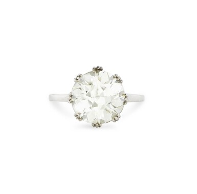 View 1. Thumbnail of Lot 10. BAGUE DIAMANT | DIAMOND RING .