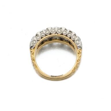 View 4. Thumbnail of Lot 7. Diamond ring (Anello in diamanti).