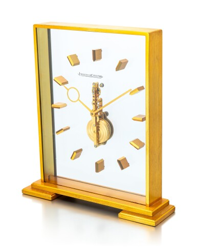 JAEGER-LECOULTRE | A GILT BRASS TABLE CLOCK WITH 8 DAYS POWER RESERVE, CIRCA 1970