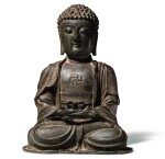STATUE DE BOUDDHA EN BRONZE PATINÉ DYNASTIE MING | 明 銅佛坐像 | A bronze figure of Buddha, Ming Dynasty