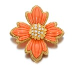 Van Cleef & Arpels | Coral and diamond brooch/pendant, 1970s | 梵克雅寶 | 珊瑚配鑽石別針/吊墜,1970年代