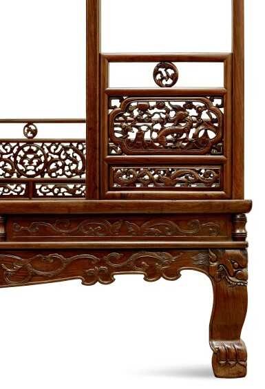 View 7. Thumbnail of Lot 53. AN EXCEPTIONAL AND RARE HUANGHUALI SIX-POST CANOPY BED MING DYNASTY, 17TH CENTURY | 明十七世紀 黃花梨六柱透雕螭龍瑞獸紋圍子架子床.