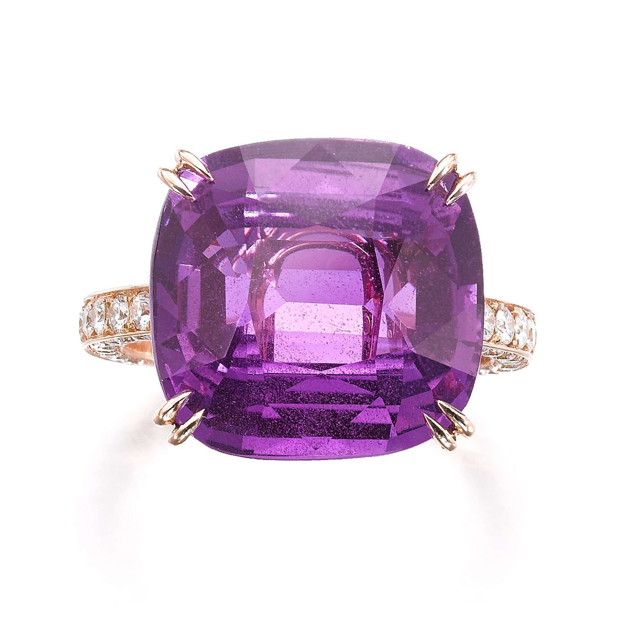 View full screen - View 1 of Lot 739. Pink-purple sapphire ring | 粉紫色剛玉戒指.