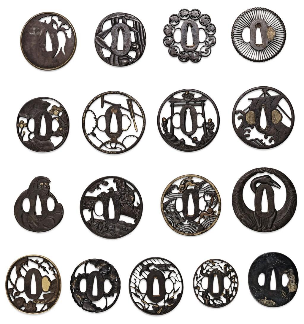 ENSEMBLE DE DIX-SEPT TSUBA EN FER JAPON, ÉPOQUE EDO/MEIJI | A group of seventeen iron tsuba, Japan Edo/Meiji period