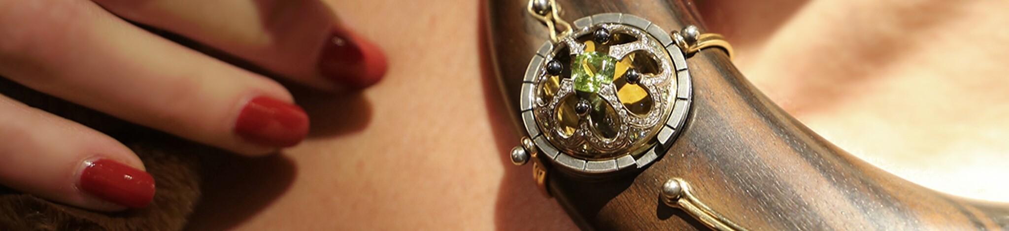 Jewels by Elie Top Online*