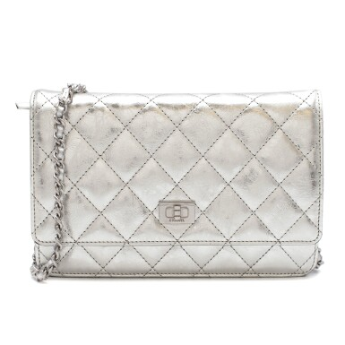 CHANEL | METALLIC SILVER REISSUE WALLET ON CHAIN IN AGED CALFSKIN WITH SILVER TONE HARDWARE, 2007