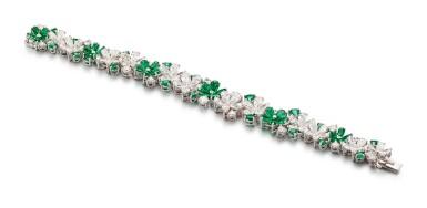 View 2. Thumbnail of Lot 1020. 'Carissa' Emerald and Diamond Bracelet | 格拉夫| 'Carissa' 祖母綠 配 鑽石 手鏈 (祖母綠及鑽石共重約9.30及17.40克拉).