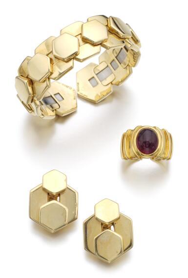 GOLD DEMI-PARURE, 'ALEXAGON', AND A RUBELLITE RING, 'OCA' | MARINA B