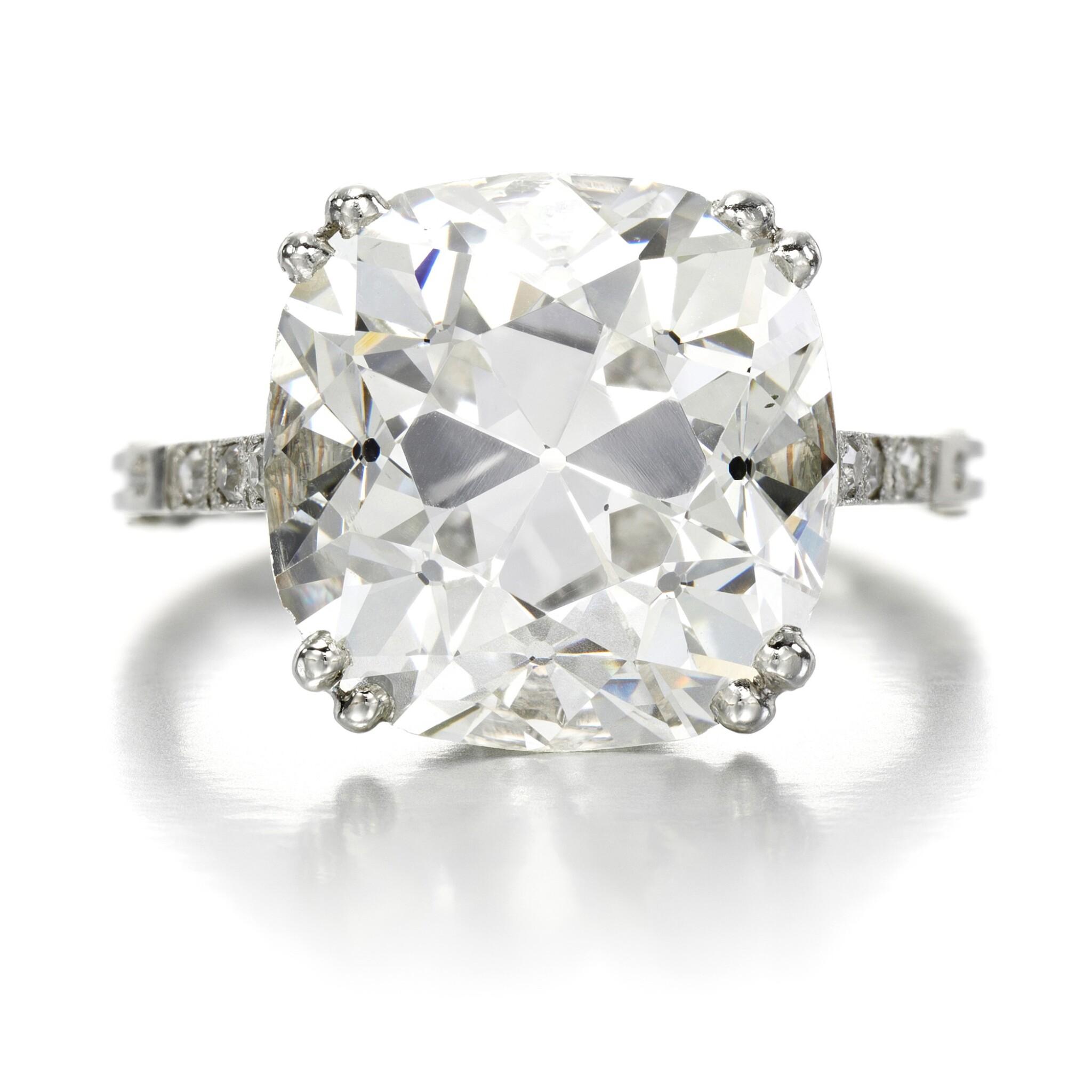 View full screen - View 1 of Lot 39. Diamond ring, circa 1910.