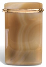 A GOLD-MOUNTED AGATE CASE, FRENCH, CIRCA 1940