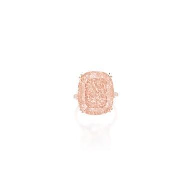 AN IMPORTANT FANCY DEEP BROWNISH PINKISH ORANGE DIAMOND RING | 深彩棕粉紅橙色鑽石戒指一枚