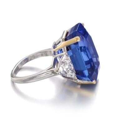 View 2. Thumbnail of Lot 169. Bulgari | Important Sapphire and diamond ring | 寶格麗 | 藍寶石配鑽石戒指.