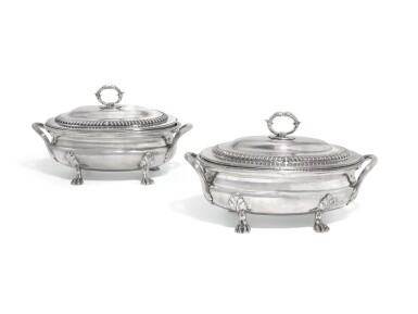 A PAIR OF GEORGE III SILVER SAUCE TUREENS AND COVERS, WILLIAM STEVENSON, LONDON, 1808