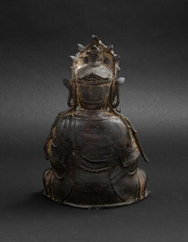 View 4. Thumbnail of Lot 37. Figure de Guanyin en bronze partiellement doré Dynastie Ming, XVIE-XVIIE siècle | 明十六至十七世紀 局部鎏金銅觀音菩薩坐像 | A parcel-gilt bronze figure of Guanyin, Ming Dynasty, 16th-17th century.
