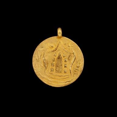 View 1. Thumbnail of Lot 1061. A gold 'coin' pendant Pyu, 8th - 9th century | 八至九世紀 驃國 金幣牌飾.