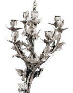 A PAIR OF LARGE SILVER-PLATED BRONZE SEVEN-LIGHT CANDELABRA, PROBABLY FRANCE, CIRCA 1870 |  PAIRE DE GRANDS CHANDELIERS À SEPT LUMIÈRES EN BRONZE ARGENTÉ, PROBABLEMENT FRANCE, VERS 1870