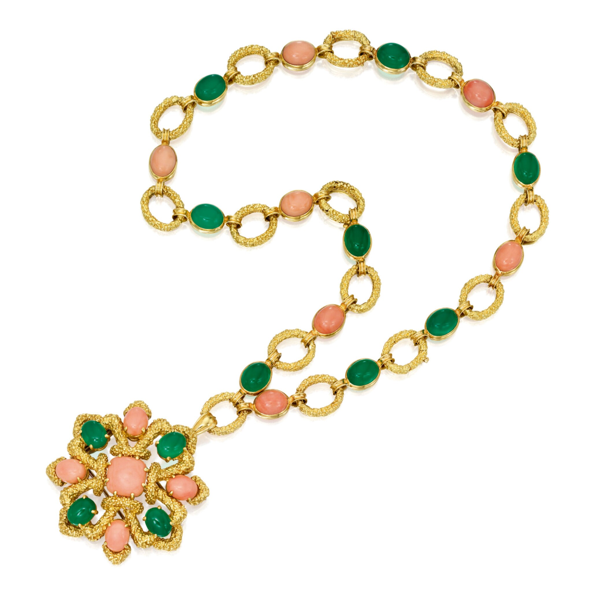 View full screen - View 1 of Lot 409. GOLD, CORAL AND CHRYSOPRASE PENDANT-NECKLACE, VAN CLEEF & ARPELS, FRANCE   黃金鑲珊瑚及綠玉髓吊墜項鏈,梵克雅寶.