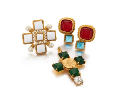 View 2. Thumbnail of Lot 72. Gripoix pendant, brooch and pair of earclips.