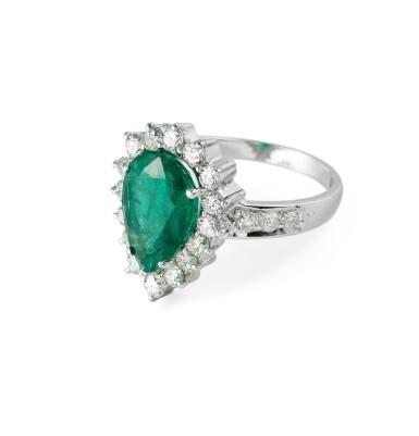 View 2. Thumbnail of Lot 88. Emerald and diamond ring [Bague émeraude et diamants].