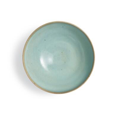 View 5. Thumbnail of Lot 194. A sky-blue glazed 'Jun' bowl, Jin dynasty | 金 鈞窰天藍釉盌.