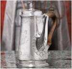 A GEORGE II SILVER COFFEE POT, PAUL DE LAMERIE, LONDON, 1735