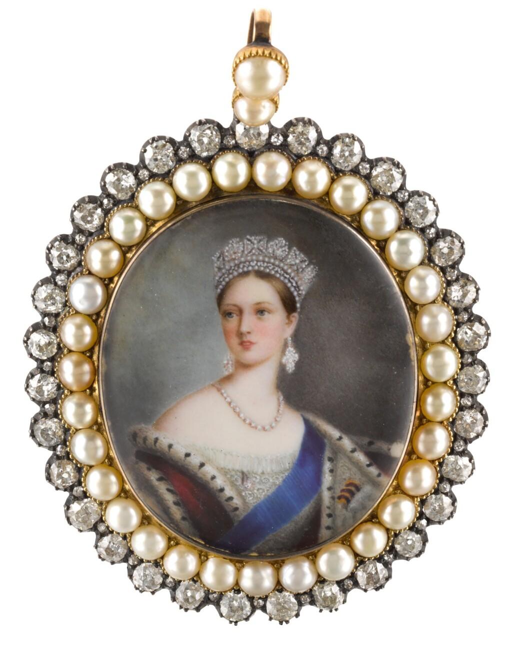 ENGLISH SCHOOL | PORTRAIT OF QUEEN VICTORIA (1819-1901)