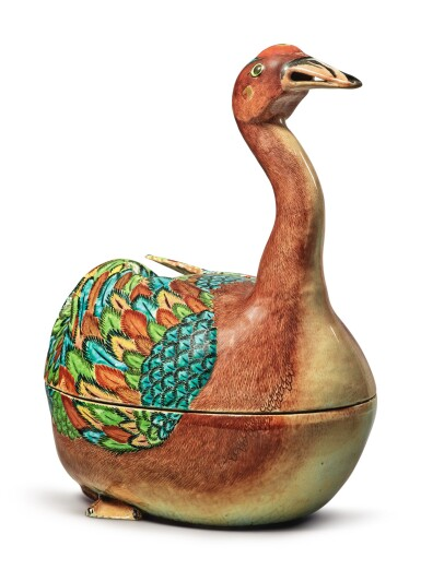 A Fine and Rare Chinese Export Goose-form Tureen and Cover, Qing Dynasty, Qianlong Period, circa 1770 | 清乾隆  約1770年  粉彩鵝形湯盆