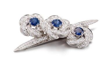 View 2. Thumbnail of Lot 1040. 'Triple Swirl', Sapphire and Diamond Hair Slide | 格拉夫| 'Triple Swirl' 藍寶石 配 鑽石 髮飾 (藍寶石及鑽石共重約3.70及4.40克拉).