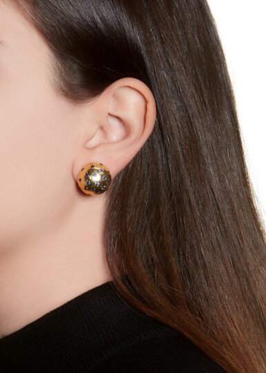 PAIR OF GOLD AND SAPPHIRE EAR CLIPS | VAN CLEEF & ARPELS, 1940S